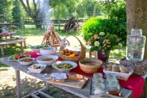 Bedrijfsseminarie met maaltijd op het platteland